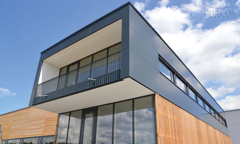 Produktionshalle mit Verwaltungstrakt - Fassade