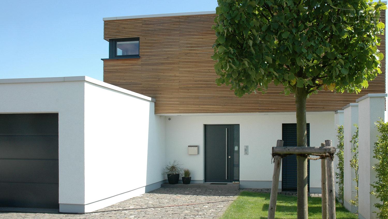 Wohnhaus mit Holzfassade in Simmern